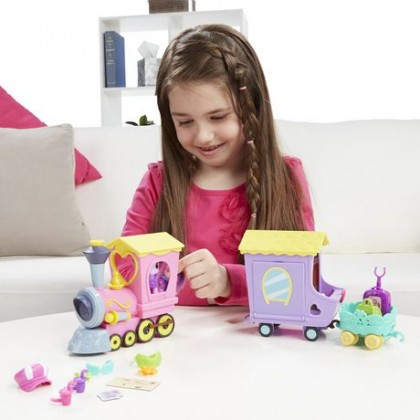 Hasbro My Little Pony Explore Equestria Friendship Express Train Playset